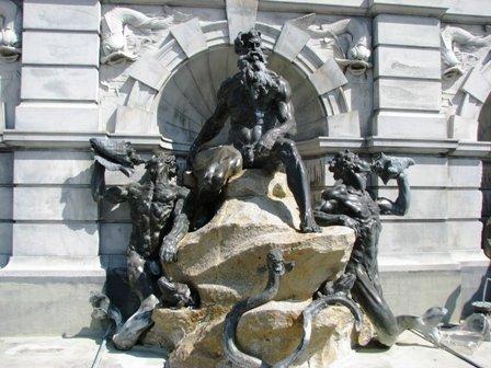 Neptune và Triton