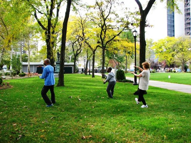 tập tài chí ở công viên