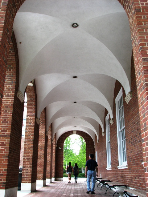 một hành lang ở Johns Hopkins