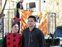 Hai người tham dự Halloween