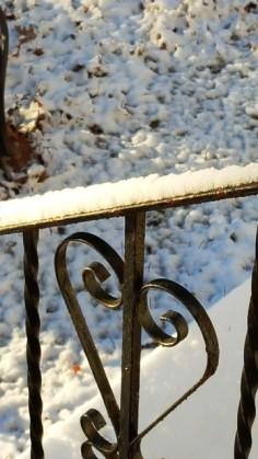 ngoài kia tuyết rơi đầy