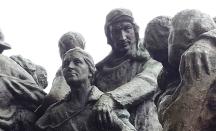 tượng của những người làm cách mạng