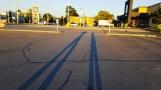 Buổi sáng thức dậy đi bộ. Ông Tám đứng dang tay bảo tôi chụp ảnh cái bóng. Tôi không hiểu ý nên chụp sai hết mấy lần. Đến tấm này là vừa ý ngài.
