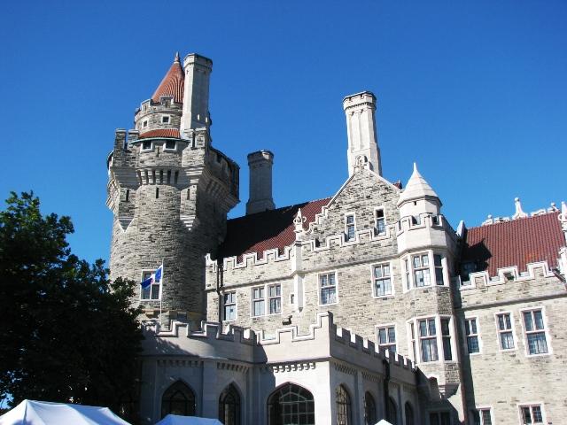 góc nhỏ bên hông lâu đài
