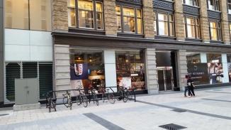Một cửa hàng ở phố Elgin