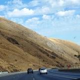 Đồi trọc núi trọc, cỏ khô biến thành màu vàng cháy
