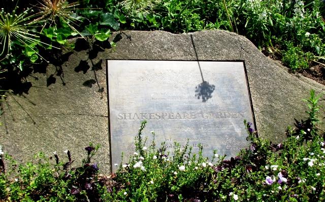bảng tên vườn Shakespeare