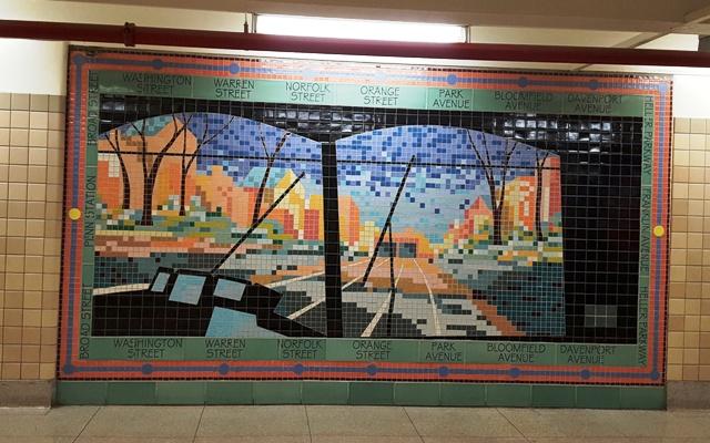 tranh tường ghép bằng gạch màu