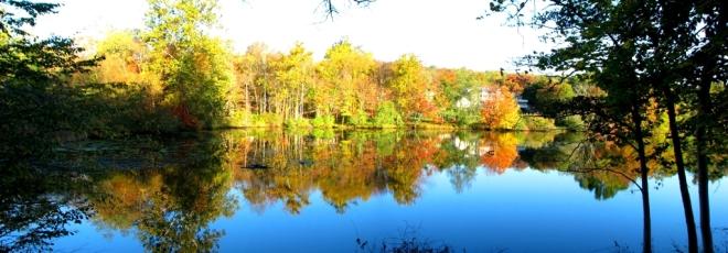 nắng lên bên kia hồ