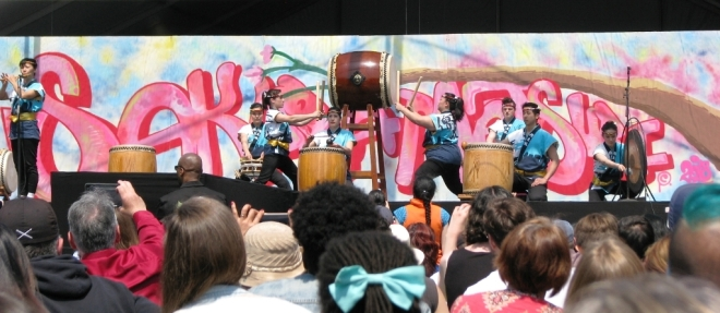 biểu diễn trống taiko